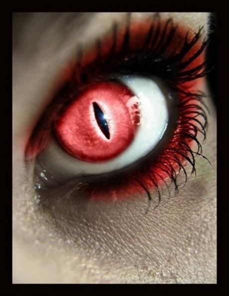 تغییر رنگ چشم یه قرمز